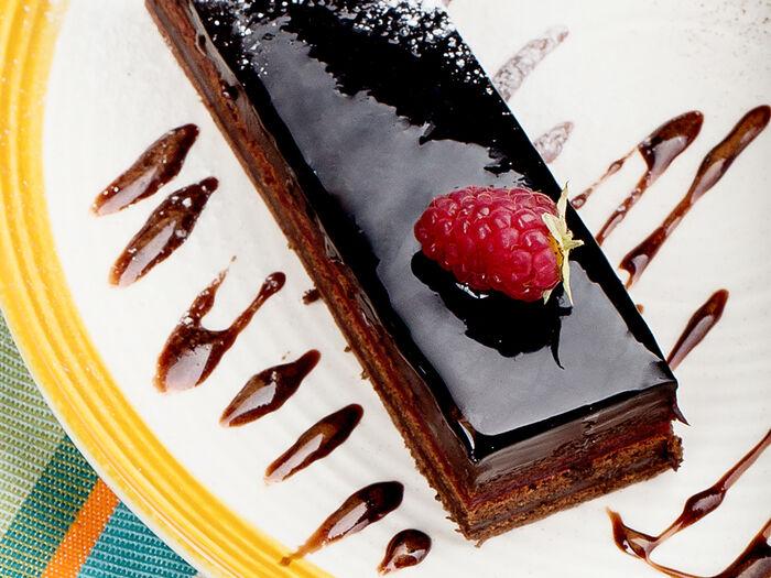 Торт Малиновый захер