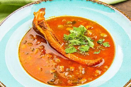 Суп с ребром и маслинами