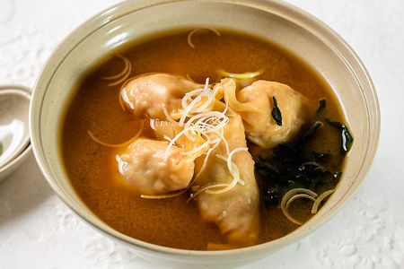 Суп Гедза вареные в мисо супе