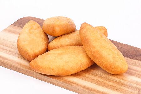 Жареный пирожок с картофелем