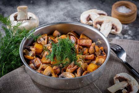 Грибы жаренные с картофелем и луком