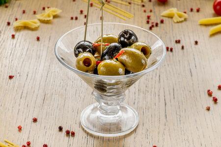 Гигантские маслины, оливки