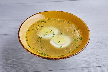 Бульон куриный с яйцом