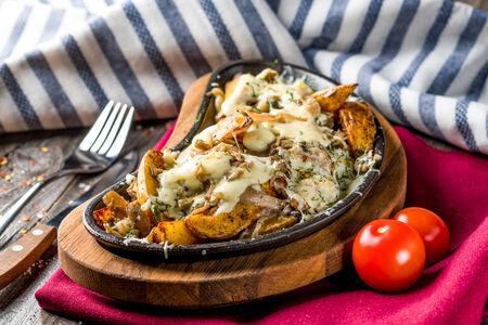 Картофель по-домашнему с сыром