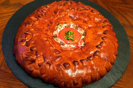Пирог с ветчиной, картофелем и помидором