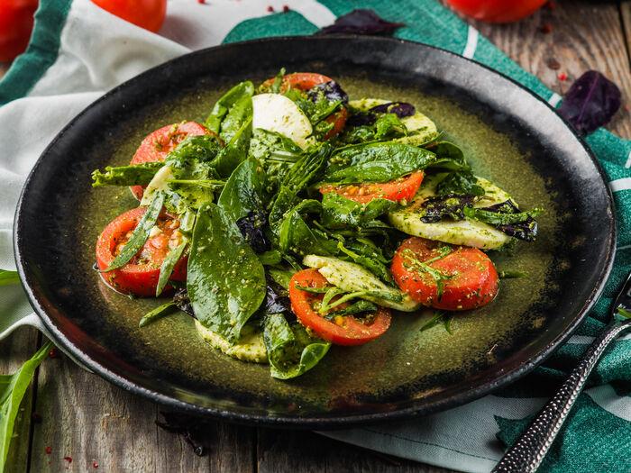 Квелли с томатами и зеленью