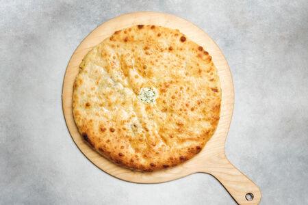 Пирог со шпинатом и осетинским сыром