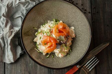Оливье со слабосоленым лососем
