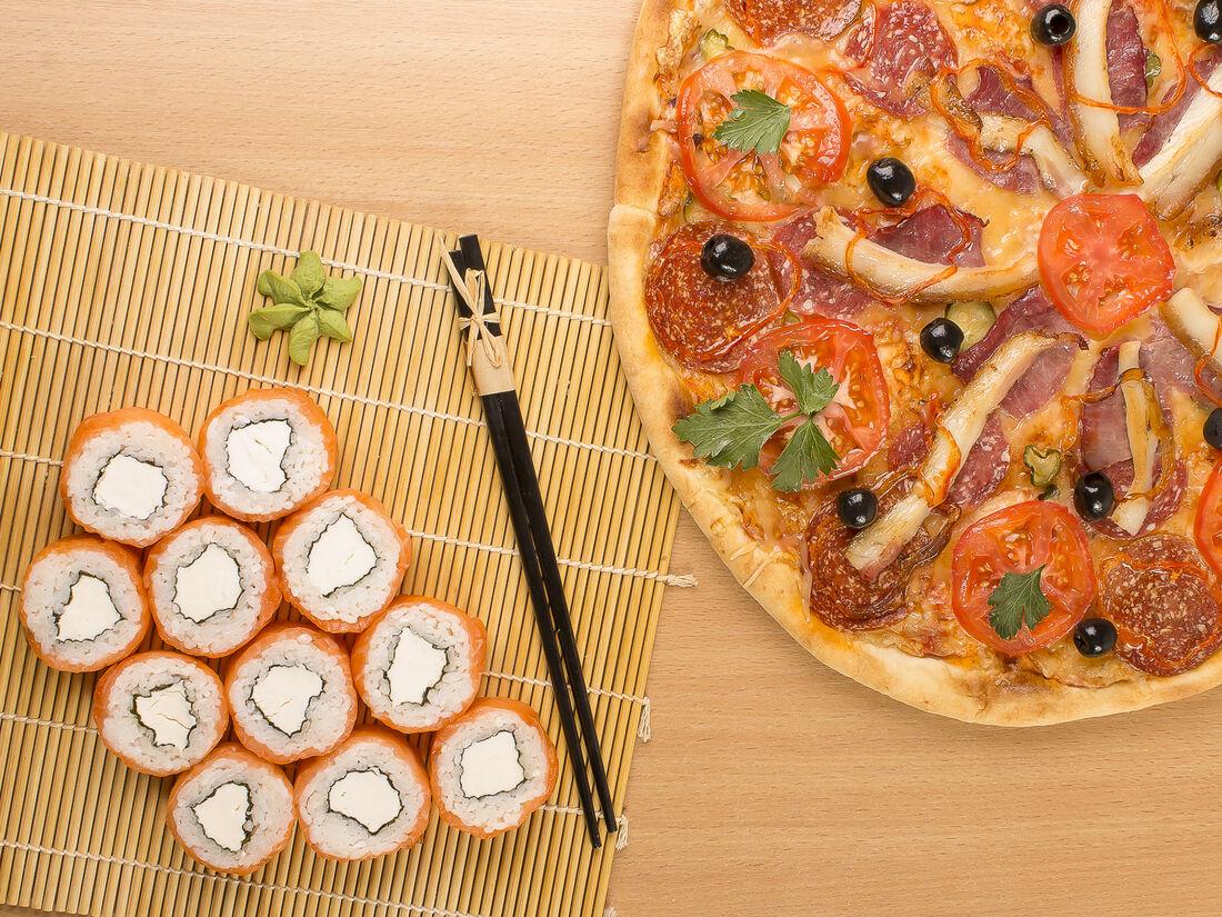 Картинки аниме, картинки с роллами и пиццей прикольные