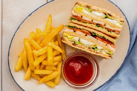 Клаб-сэндвич с курицей