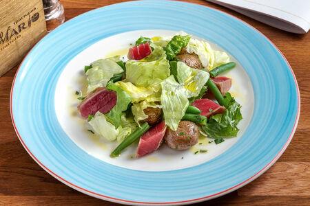 Римский салат с тунцом