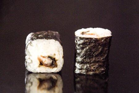 Ролл Унаги маки со сливочным сыром
