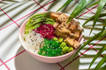 Авокадо боул с тофу