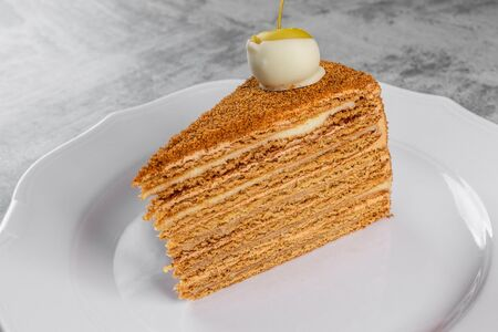 Торт Медовик Два Крема