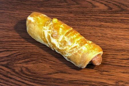 Сосиска в тесте с сыром