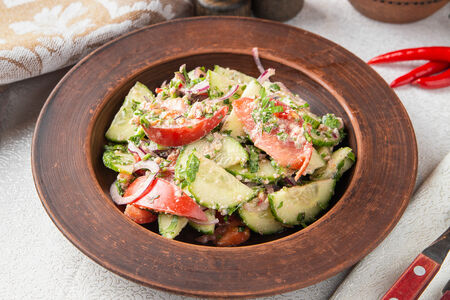 Овощной салат со специями по-грузински