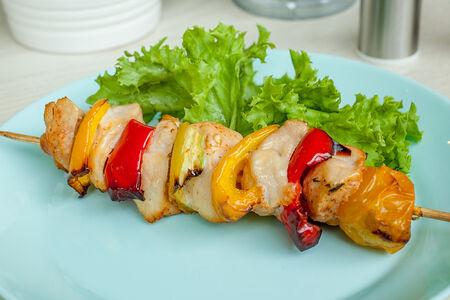 Шашлычок из курицы с овощами