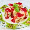 Фото к позиции меню Блинчики с фруктами и ванильным соусом