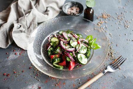 Овощной салат по-домашнему