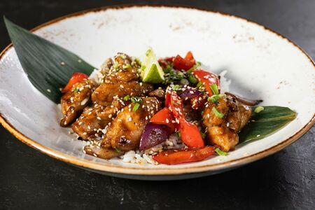 Вок Курица Сан Бей с овощами и рисом