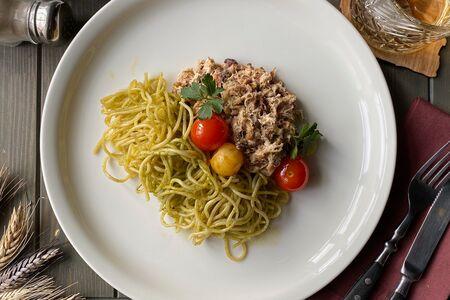 Спагетти с рваной свининой