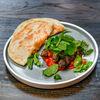 Фото к позиции меню Говяжьи люля с запеченным перцем и соусом сальса