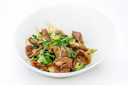 Салат с картофелем и пармой