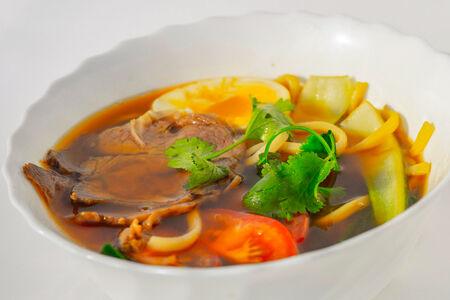 Суп с лапшой с уткой по-пекински