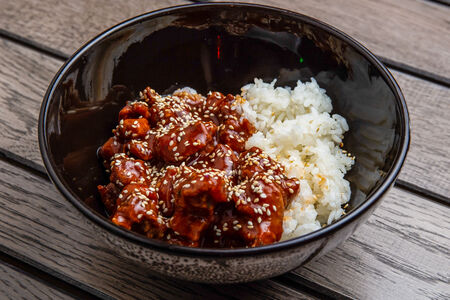 Курица какиаге с паровым рисом