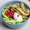 Фото к позиции меню Теплый салат с курицей, брусникой и семечками