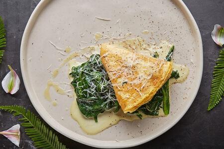 Омлет со шпинатом и козьим сыром