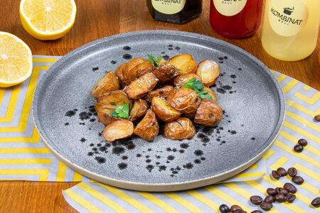 Картофель молодой, запеченный в пряностях