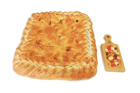 Пирог с семгой и картофелем на слоеном тесте