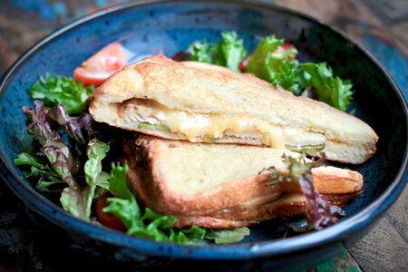 Запеченный сэндвич с куриным филе