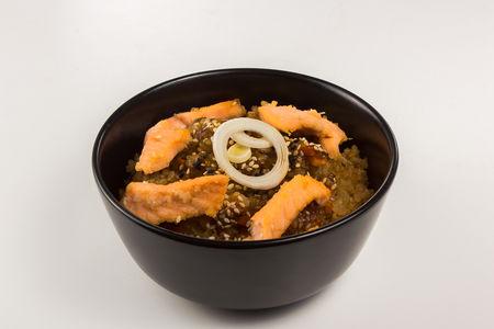 Рис тяхан с лососем