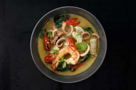 Суп Лакса с морепродуктами