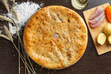 Осетинский пирог с куриным филе и картофелем