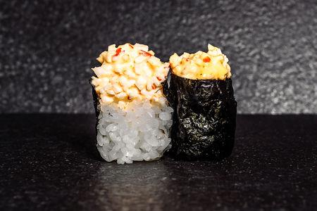 Острые суши со снежным крабом