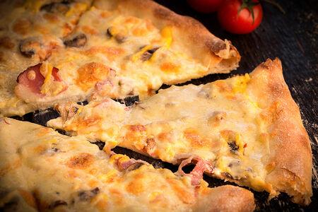 Пицца Сырный Бекон
