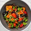 Фото к позиции меню Древесные грибы с хрустящими баклажанами и томатами
