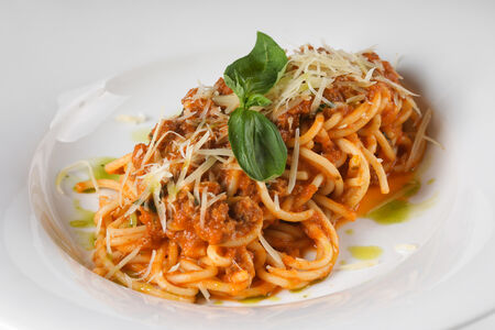 Спагетти с сыром или с соусом Болоньеза