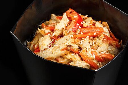 Вок Курица в сливочном соусе