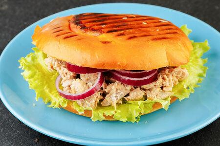 Сэндвич Панини с тунцом