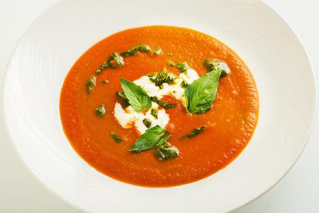 Томатный суп со страчателлой