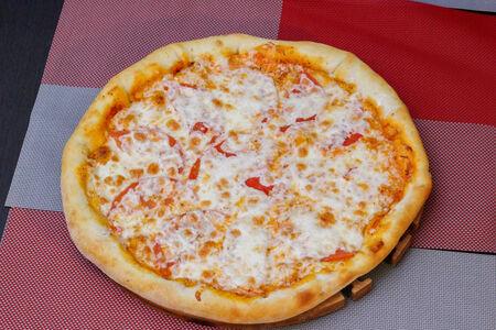 Пицца Маргарита с сырным бортом