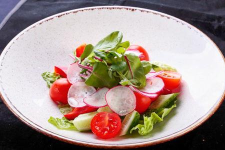 Салат Овощной с пряной заправкой