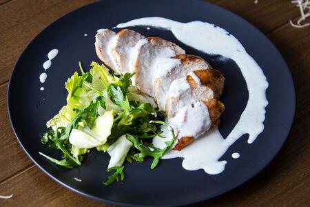 Куриное филе с соусом Рокфор