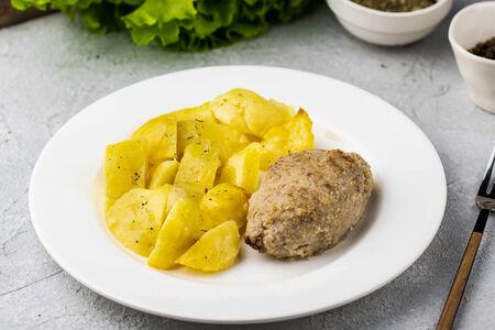 Мясная котлетка по-домашнему с картофелем