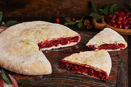 Пирог осетинский с вишней