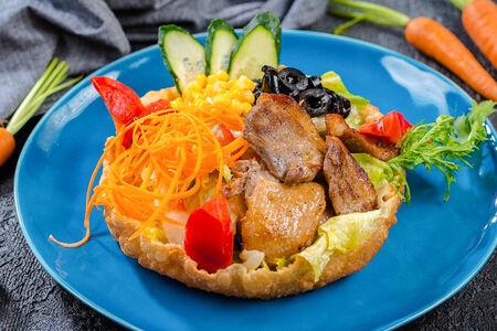 Теплый шеф-салат с нежной уткой